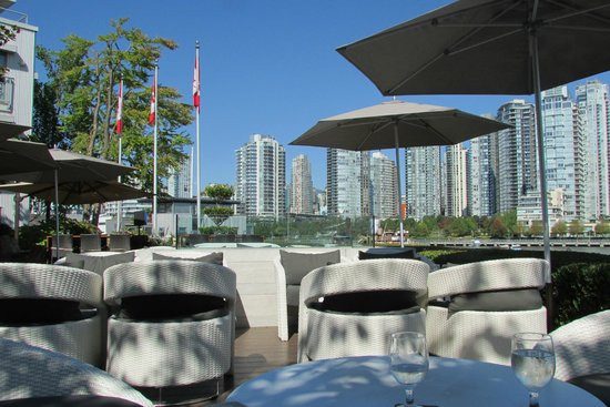 Dockside Restaurant & Brewing Company: Table view