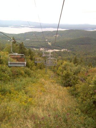 Gunstock Mountain Resort: ski lift on the way down.