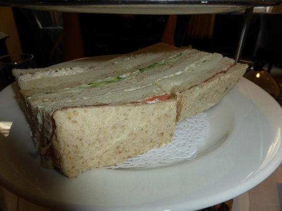 Hilton London Green Park: Fresh but uninspiring sandwiches