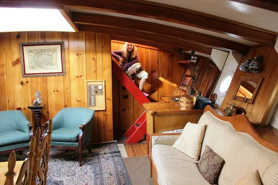 Wharfside Bed and Breakfast Aboard the Slowseason: One view of our main room