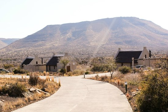 Karoo National Park Unterkunfte: A view of front facing cottages