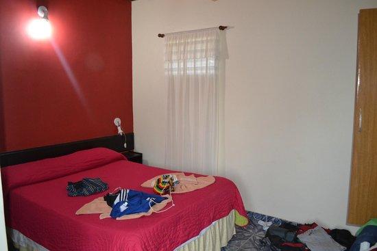 Residencial Noelia Hostel : linda habitacion