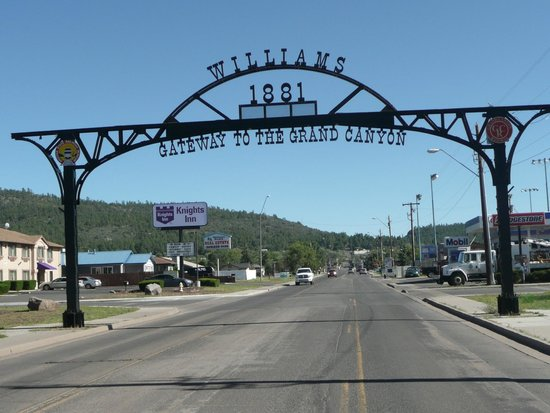 Downtown Williams Historic Walk: Welcome to town