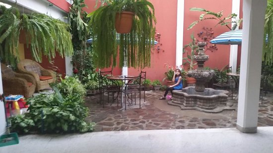 Hotel Casa Rustica: Family friendly garden areas