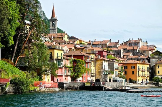 Lombardia, Italia: Circumnavigating Como: Varenna