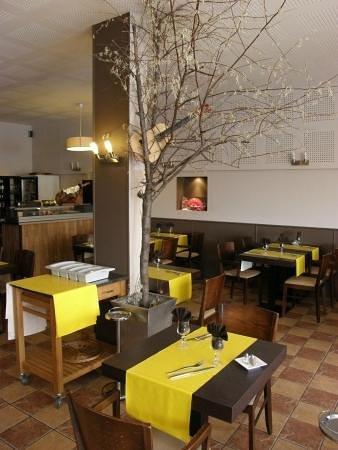 Restaurant El K'lamar: salle intérieur