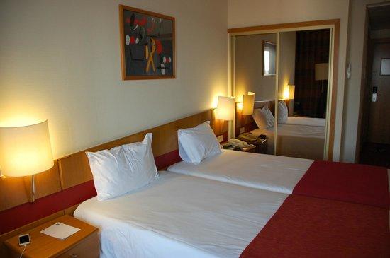 Quality Inn Porto: Our room.