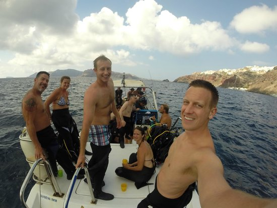 Aegean Divers Dive Center - Day Excursions: Enjoying a break on the boat