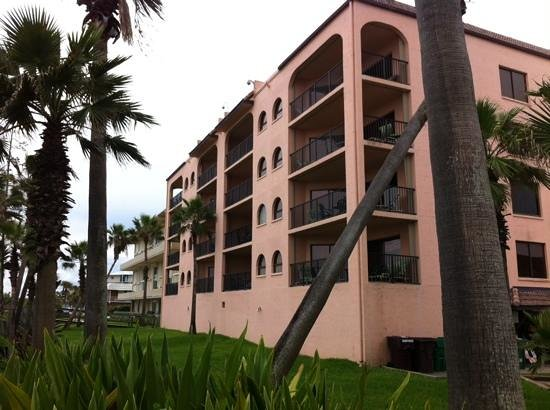 Las Olas Beach Club of Cocoa Beach: beach side apartments
