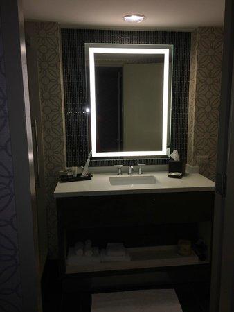 Grand Hyatt Tampa Bay: bathroom