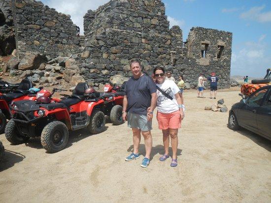 Kini Kini Transfer & Tours: ruinas de mina de ouro