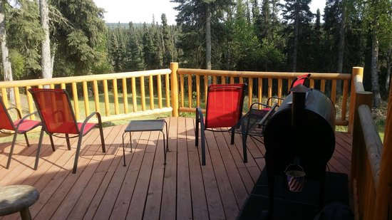 Alaska Hooksettters Lodge: Deck