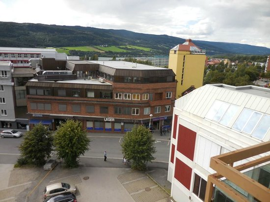 Scandic Victoria Lillehammer : View of a lake and town
