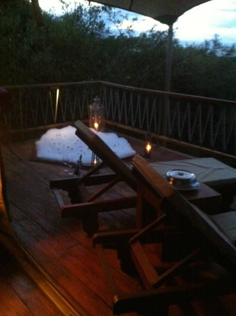 Mara Bushtops: Hot tub bubble bath waiting for our return!  Romantic and therapeutic