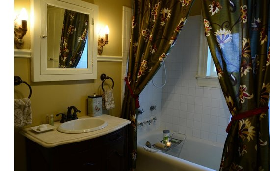 Prospect Place Bed and Breakfast: Nook bathroom