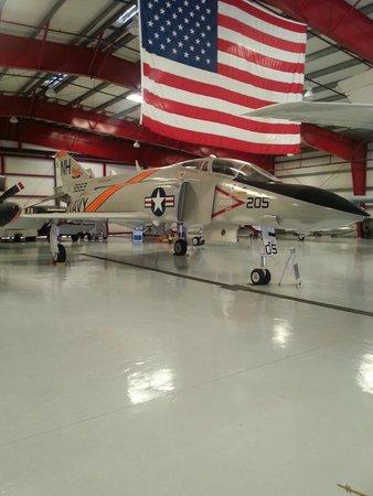 Valiant Air Command Warbird Museum : F-4 Phantom Vietnamkriget