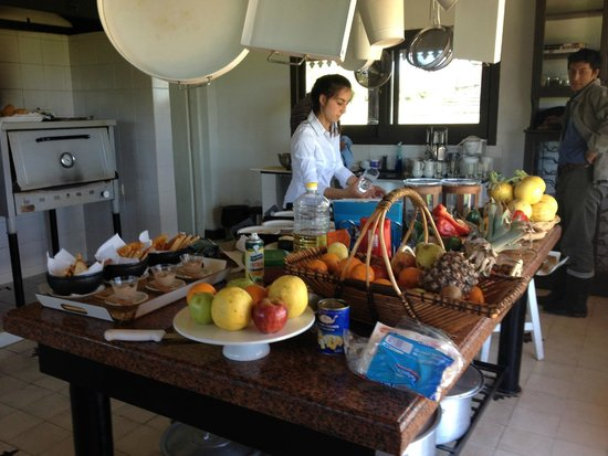 Ibera Lodge: Well equipped kitchen with fresh ingredients