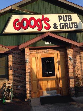 """Goog's Pub & Grub : This is a """"burger pub""""!"""