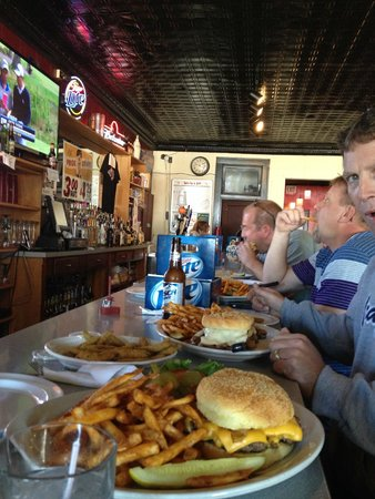Reds Bar and Grill, Sheffield, IL