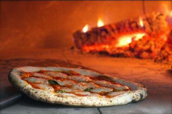 Lina's Pizza Napoletana: Authentic wood fired pizza
