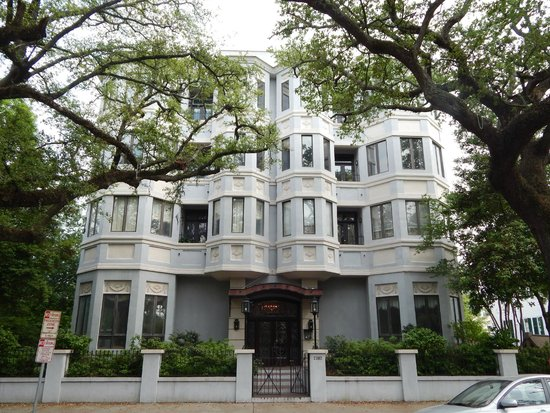 Haunted History Tours of New Orleans : House on tour