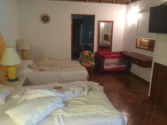 Riviera Maya Suites: Garden Bungalow Bed Area