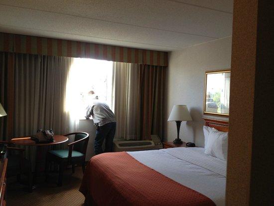 Clarion Hotel, Joliet, IL
