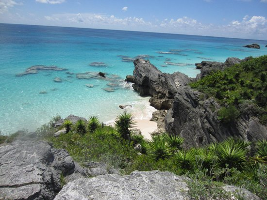 Southampton Parish, Bermuda: Bird's eye view of Horseshoe bay and surrounding area