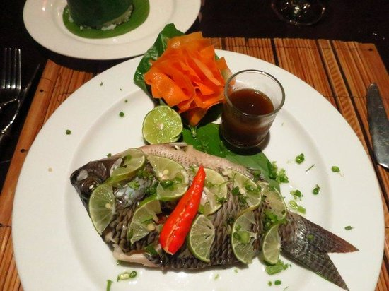 3 Nagas Restaurant: River fish stuffed with herbs.