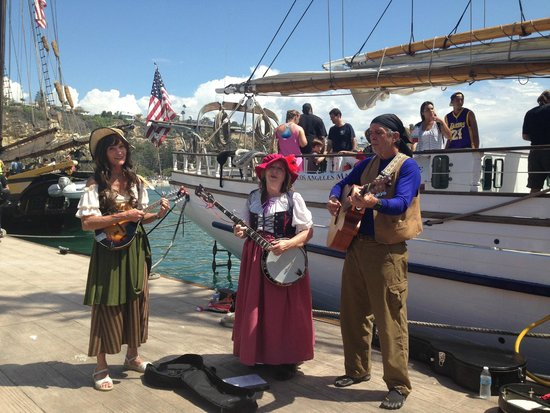 Dana Point, Καλιφόρνια: Pirates during the Toshiba Tall Ships Festival!