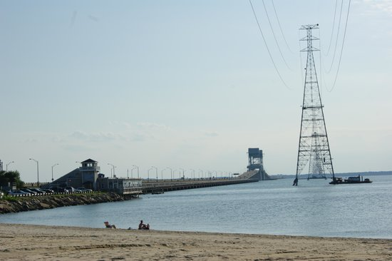 Newport News, VA: James River Bridge on the beach