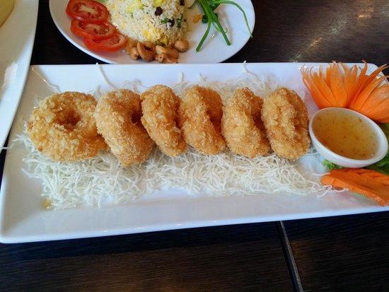 Joe Louis Thai Restaurant: Shrimp cake - must eat item!