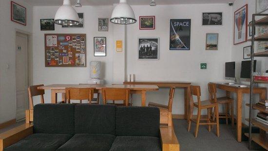 bloomrooms @ Link Rd: Lounge