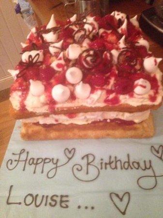 Fay's Bistro: Fay made me an Eton Mess birthday cake, delicious!