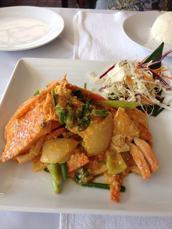 Three Crowns Restaurant & Grill: Crab curry paste