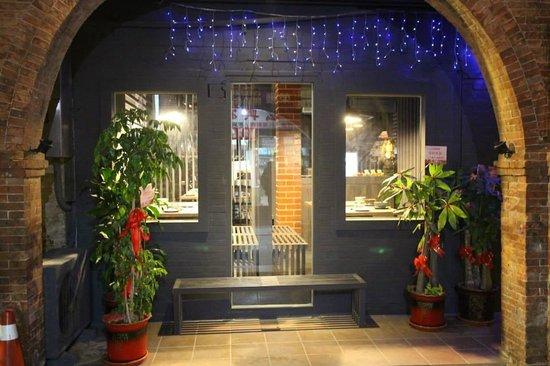 Liuhe Jipin Seafood Guowu Restaurant
