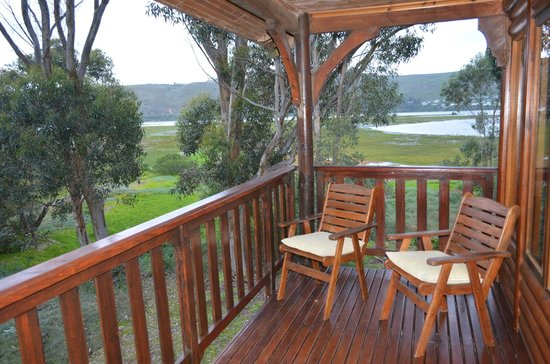 Oyster Creek Lodge: Balcony