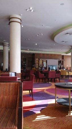 Renaissance Moscow Monarch Centre Hotel: холл