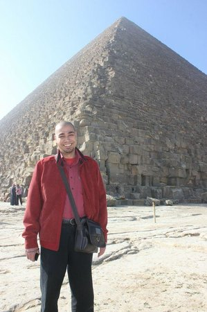 Real Egypt Day Tours : With the great pyramid