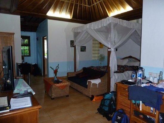 Aahh Bali Bed & Breakfast: Zimmer