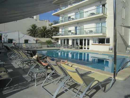 Hotel Som Fona : Pool