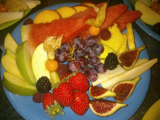 FUSION CAFE LOUNGE : Fruta