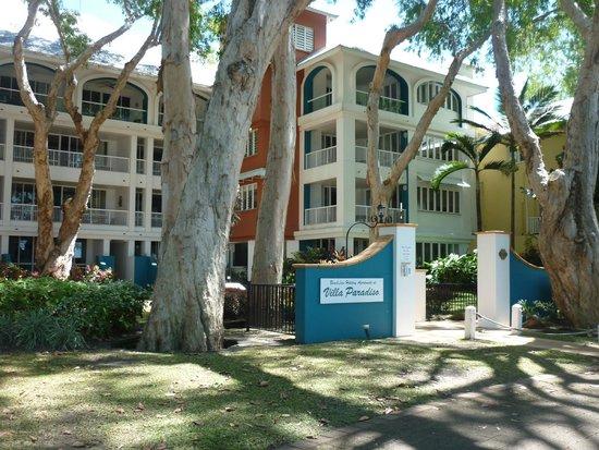BeachView Apartments at Villa Paradiso: Street view of BeachView Apartments - Villa Paradiso