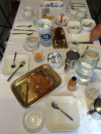 A Porta Castello: Ricca colazione