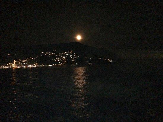 Villaggio Smeraldo : Luna piena sul golfo