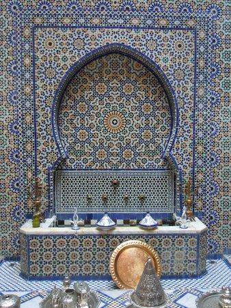 Riad Rcif: tiles