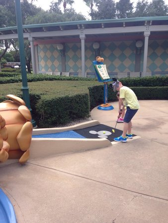 Disney's Fantasia Gardens Miniature Golf Course: Mini golf