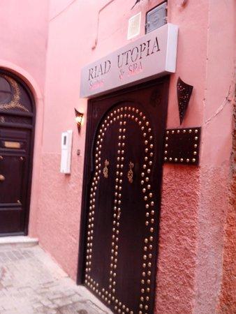 Riad Utopia Suites & Spa: entrada al riad