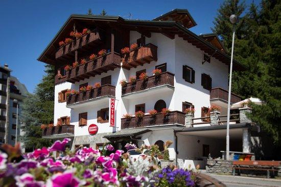 B&B Residence Checrouit: Esterna Residence estate
