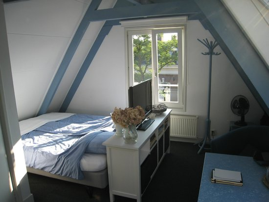 Frans Hals Loft: Very comfy bed